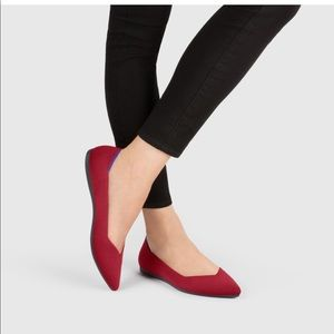 Roth's chill red pointed toe flats